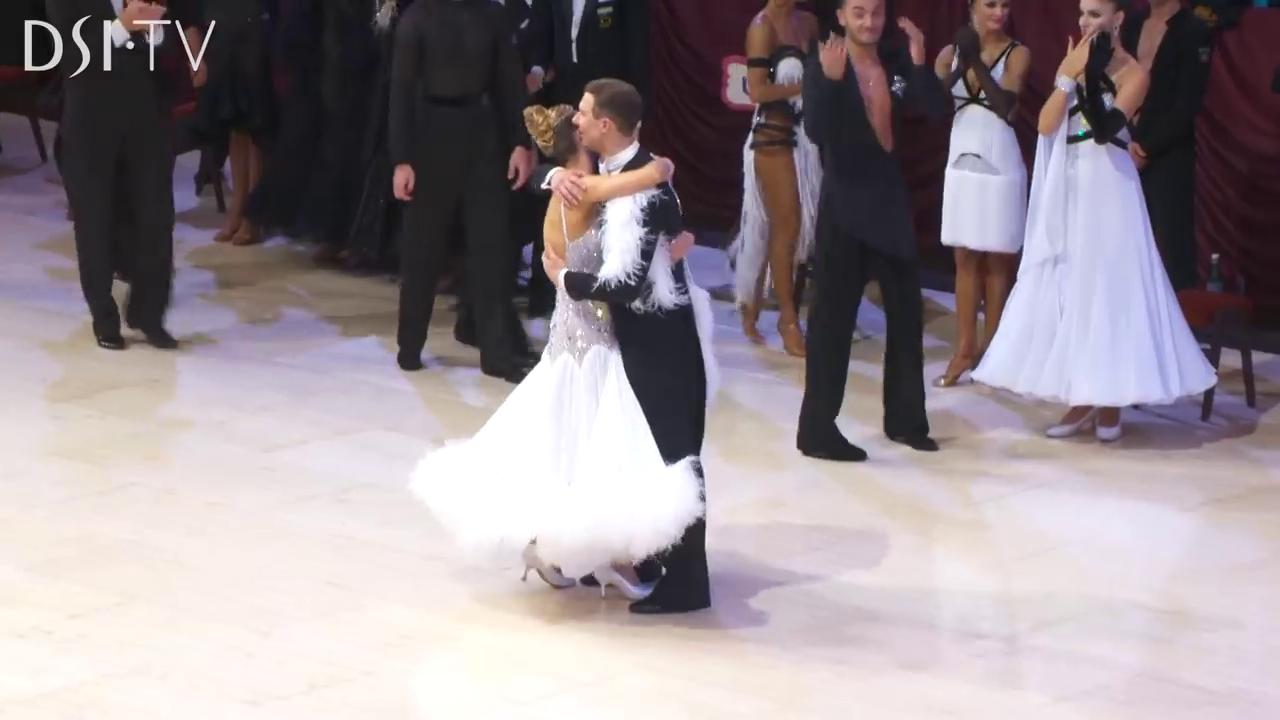 アルナス|カチューシャ|現役引退|2019|社交ダンス|世界チャンピオン|スタンダード