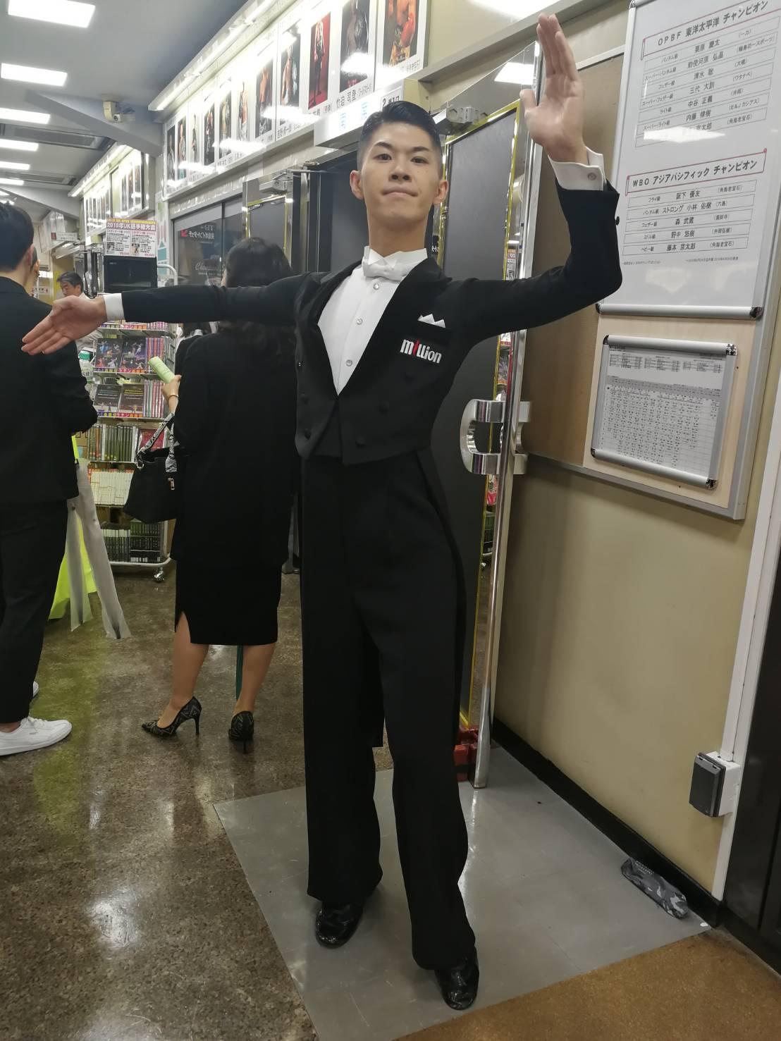 million 社交ダンス 燕尾服 オーダー